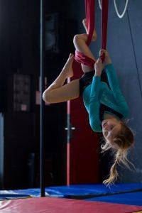 Cours Loly Circus Enfant Aérien